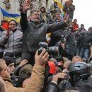 Золотарев: Порошенко хорошо понимает, что если снова не подгонят бульдозер, то у него не будет шансов вернуться на Банковую через парадную дверь