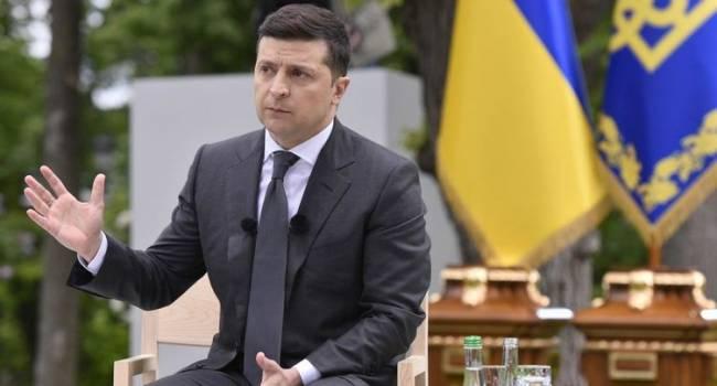 Блогер: все идет к тому, что Зеленский задаст вопрос «Вы что хотели, чтобы вместо меня избрали Порошенко?». На него большинство скажет: «Да!»
