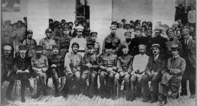 Историк: это историческое фото, если бы в этот день ровно 101 год назад все получилось, история ХХ века могла пойти иначе
