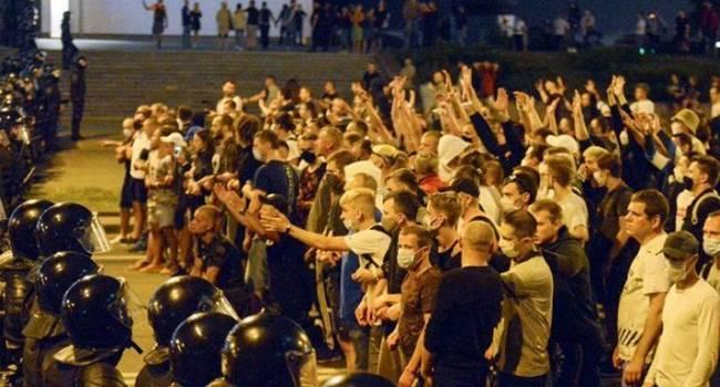Белорусы вышли не за независимость и демократию, а за замену старого председателя колхоза на нового, – журналист