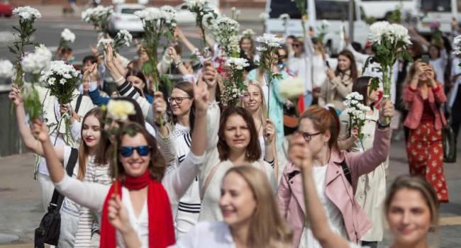 Юрист-международник: главное отличие протестов в Беларуси от украинских майданов – это то, что в бой пошли женщины