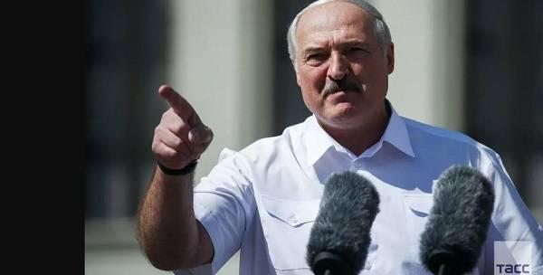 «Вы хотите, чтобы и Россия отреагировала?»: Лукашенко вновь пригрозил участникам протеста в Беларуси