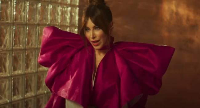 «Боже, как же Соня на вас похожа»: дочь Ани Лорак сыграла одну из главный ролей в ее новом клипе