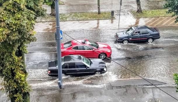 После масштабного дождя Луцк буквально ушел под воду