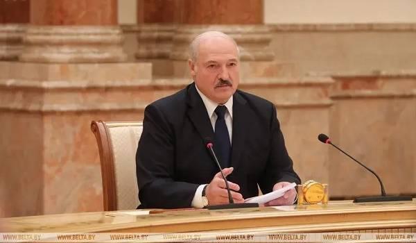 «Не тыкайте на нас пальцами»: Лукашенко посоветовал странам Запада решать свои проблемы
