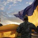 Омелян: оккупантам не по себе от того, что в центре Киева развивается сине-желтый флаг и у него фотографируются масса людей
