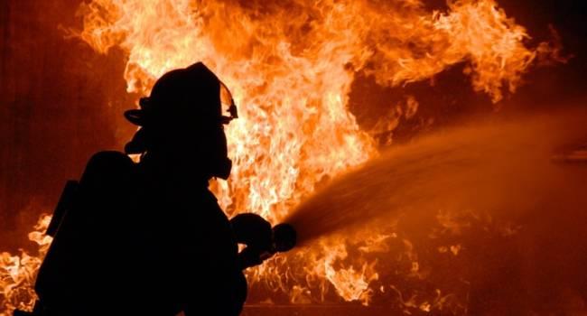 «Столб дыма и страх людей»: В Луганске на патронном заводе начался масштабный пожар