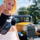 «Безумно красивая!» Клава Кока похвасталась идеальной фигурой на пляжном фото