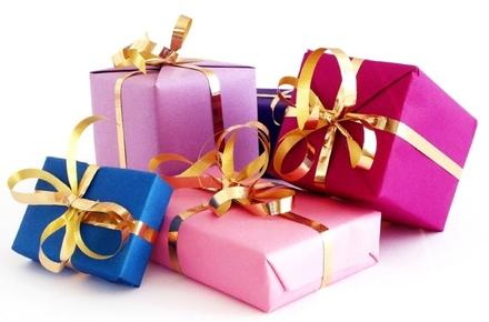 Большой выбор подарков и сувениров