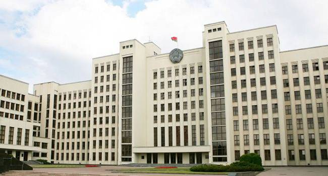 В Беларуси готовятся расширить полномочия местной власти и правительства