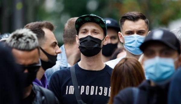 Коронавирус в Украине: впервые за шесть дней за сутки менее 4 тысяч заражений