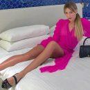 «Дикая тигрица»: Леся Никитюк позировала в коротком платье, похваставшись стройными ногами