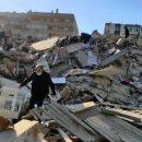 В Турции растет количество погибших в результате землетрясения людей