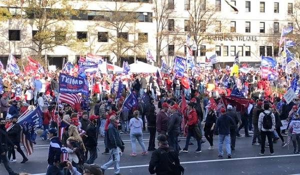 На митинге сторонников Трампа произошли столкновения