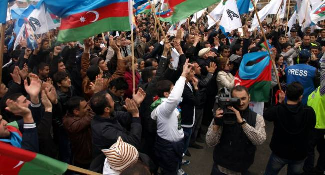 «Россия уходи!»: Баку вопиет о помощи к Турции, и требует Путина уйти из Карабаха