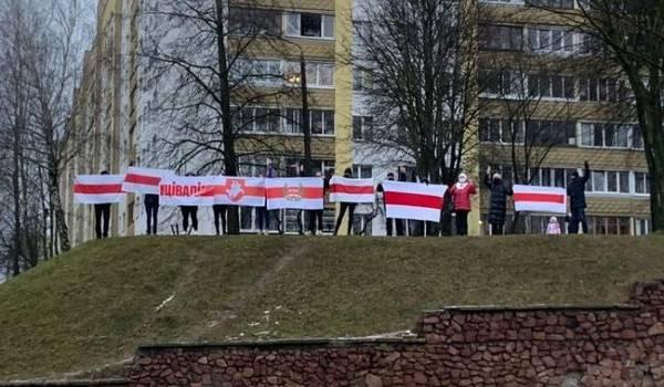 Жители Минска в очередной  раз готовятся выйти на марш протеста: центр города оцеплен спецтехникой