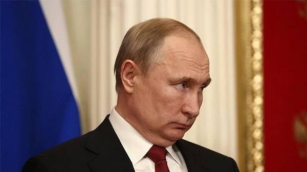 Спикер Путина рассказал, от кого глава Кремля получает всю информацию об Украине