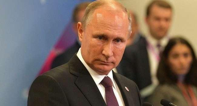 Путин построил себе целый Версаль с джакузи, аквадискотекой, домашним казино, шестом для Кабаевой и даже отдельной комнатой для грязи