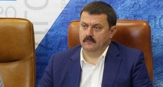 Политолог: Деркач передал «приветик» Ахметову от русских братишек