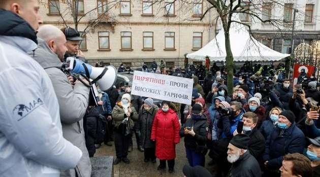 Большая часть украинцев выступили в поддержку из-за тарифов