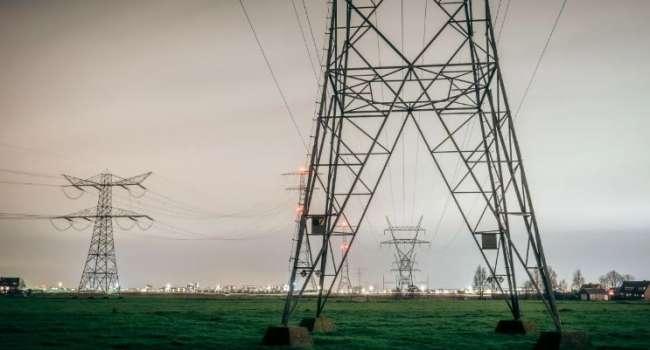 «Покричат про защиту суверенитета и уедут на свои виллы на Лазурном берегу»: журналист прокомментировал создавшуюся ситуацию в энергосистеме Украины