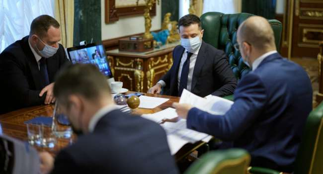 Кабакаев: Зеленский полагает, что, нажав кнопку, получит кучу инженеров и специалистов, а те построят самолеты, которые будут «всех бомбить»