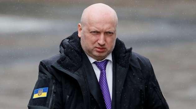 «Исправим то, что они сделали»: Турчинов заявил, что Порошенко готов возглавить Кабмин, а Навального назвал союзником