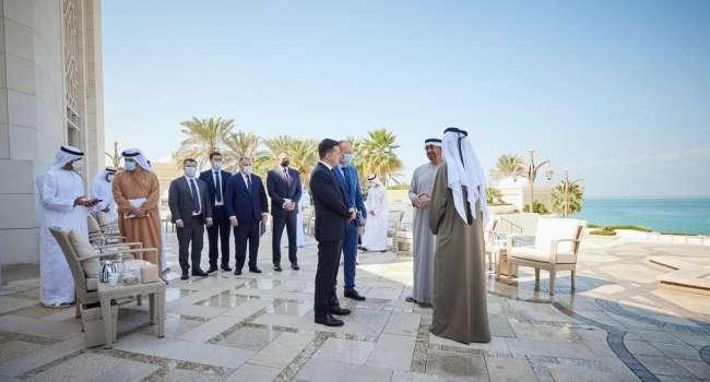 Политолог: то, что было в ОАЭ – это был не уровень встреч президента страны, наверное, Зеленский просто любит путешествовать