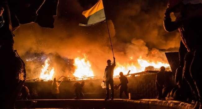 Журналист: «беркутовцы» на свободе, Татаров в замах на Банковой, бывшие враги Майдана при власти – это все, что нужно знать о годовщине Майдана