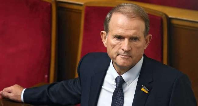 Политолог: Медведчук понял, что бизнесы для него важнее, поэтому решил «слить» партию