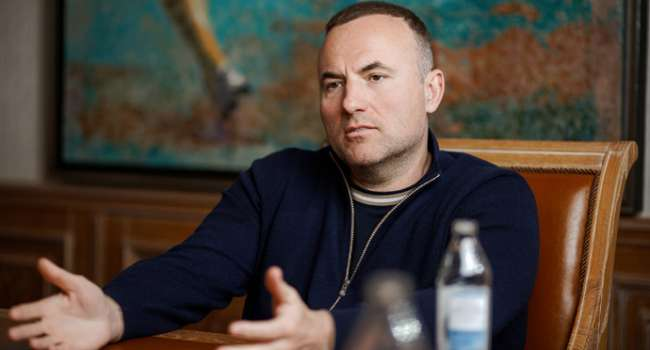Политолог: Фукс пытается захватить одно из крупнейших украинских интернет-изданий «Обозреватель»