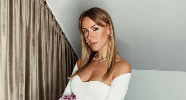 «Мне предложили выйти замуж?» Леся Никитюк позировала в розовых бикини, а также всполошила сеть новым  постом