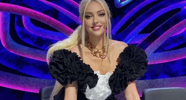 «Шоу просто бомба»: Главная длинноногая блондинка страны бросила шоу