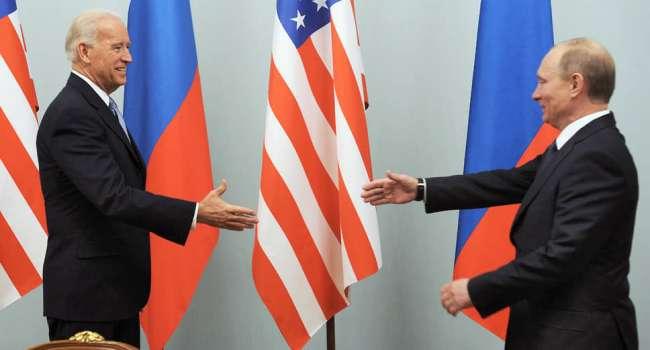 «Госпереворот и устранение Лукашенко»: Байден и Путин обсудили «нависшую» над Беларусью ситуацию