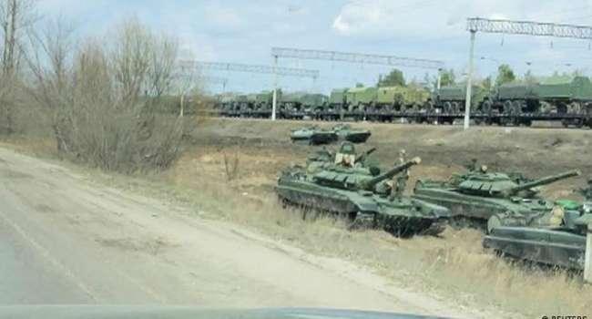 «280 единиц! Танки, «Грады» и САУ»: В ОРДЛО зафиксировано скопление военной техники России