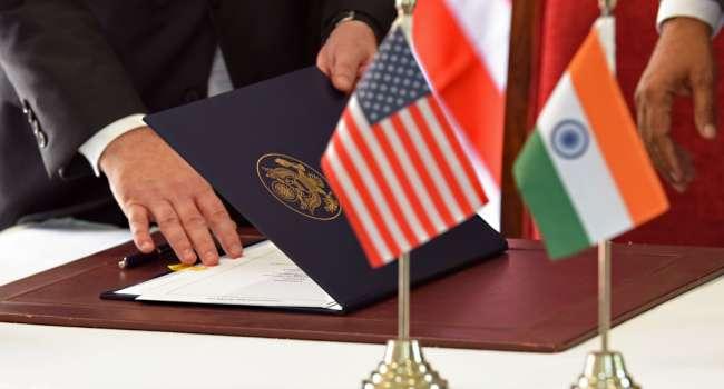 «Вспышка COVID-19»: Вашингтон вводит ограничения на путешествия из Индии