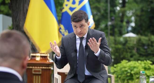 Журналист: самая большая интрига, кто заменит каналы Медведчука на пресс-коференции Зеленского