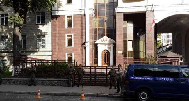 Дипломат: после вчерашнего я бы объявил персонами non grata весь дипломатический состав Посольства Беларуси в Украине
