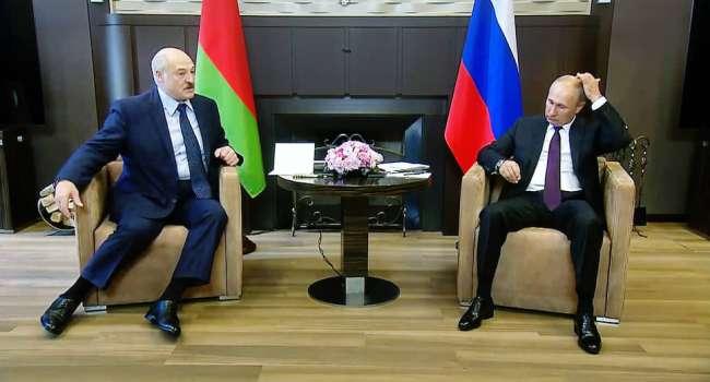 Политолог: Путин аплодирует стоя. Еще никогда Беларусь не была так близко до полного растворения в объятиях России-матушки