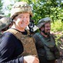 Блогер: блогеры на зарплате так погорели от вчерашней поездки Порошенко в зону ООС, что забыли добавлять к каждому упоминанию о Порохе слово «Медведчук»