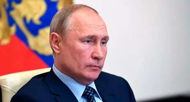 Политолог об интервью Путина: август у нас может быть очень горячим