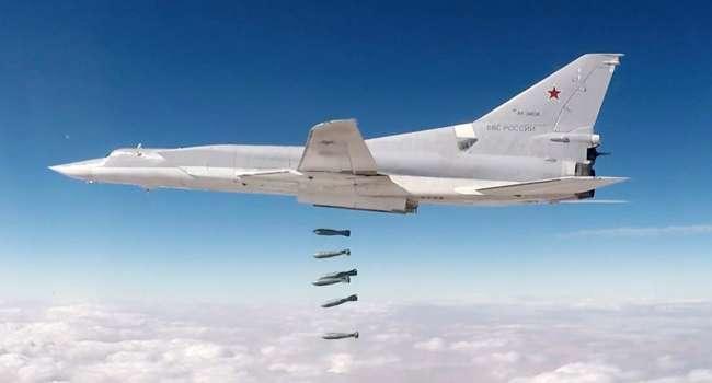 Бомбардировщик РФ пошел в атаку: Киев готовит ответ на бомбардировку британского эсминца у берегов Крыма